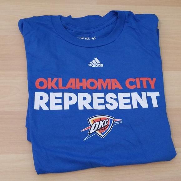 purchase cheap 6a199 ca4c7 NWT Oklahoma City Thunder shirt NWT
